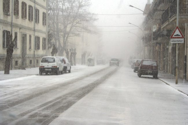 Domani allerta meteo gialla per neve
