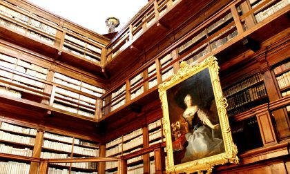 Biblioteca Teresiana riceve in dono due dipinti settecenteschi