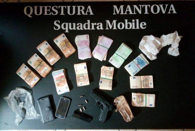 Mantova Centro: sequestrati 65mila euro, un&#8217&#x3B;arma finta e oggetti per spaccio