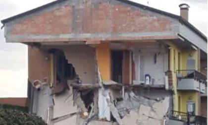 Esplode casa nel milanese: tre feriti, si scava tra le macerie