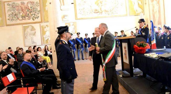 Avellino| Festa della Polizia, al Cimarosa la consegna degli attestati di merito