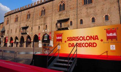 Sbrisolona record in piazza Sordello FOTO