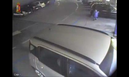 Vigile del Fuoco piromane: incendia l'auto della ex compagna