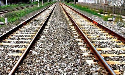 Travolto da un treno a Poggio Rusco: muore 21enne