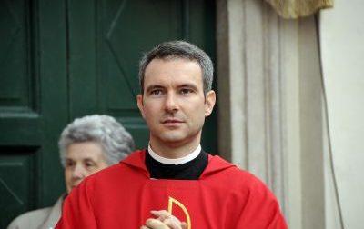 Pedopornografia, monsignor Capella crolla e ammette: arriva la condanna