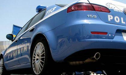 Rubano batterie per auto, denunciati due italiani