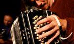 Carlo Maver, il virtuoso del bandoneòn, in concerto alle Bertone