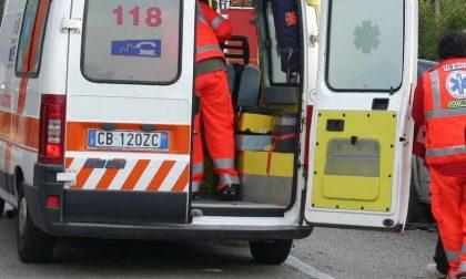 Violento scontro tra furgone e mezzo pesante sulla A22: quattro feriti, uno è grave