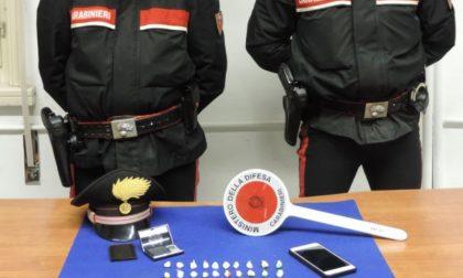 Detenzione e spaccio sostanze stupefacenti: arrestato 24enne