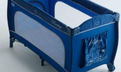 Pali ritira lettino da campeggio per neonati per rischio intrappolamento