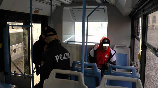 Poliziotti di quartiere sugli autobus cittadini di Mantova ...