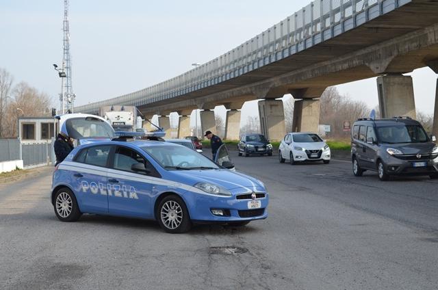 Maxi controlli a Mantova: revocati 24 permessi di soggiorno ...