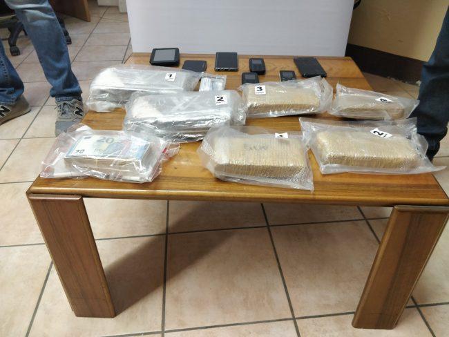La droga sequestrata a Porto Mantovano