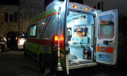 Grave incidente tra un'auto e una moto: arriva l'elisoccorso SIRENE DI NOTTE