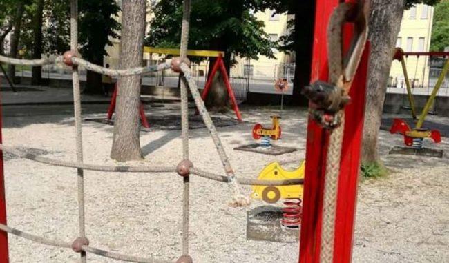 """Viadana: M5S vuole risposte sull'usurato parco giochi """"Rotonda dei giardini"""""""