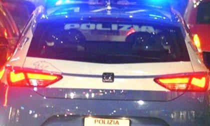 Controlli della polizia: un espulso e otto fogli di via