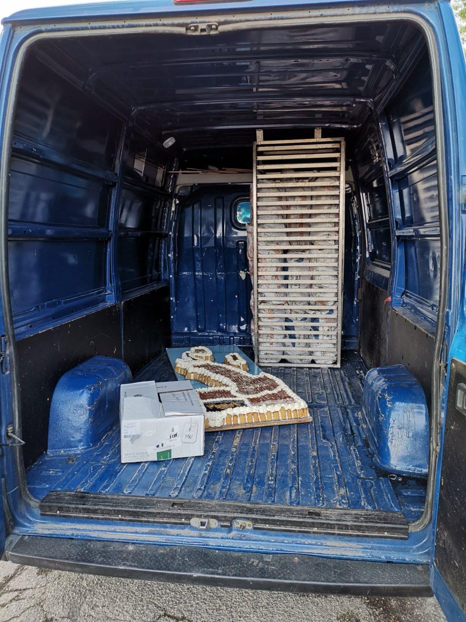 """Il proprietario si è giustificato dicendo di aver """"sbagliato furgone"""": 1000 euro di sanzione."""