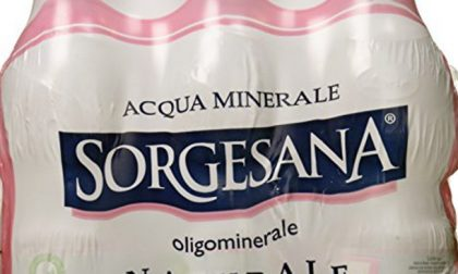 Batterio pseudomonas aeruginosa nell'acqua minerale: Lete la ritira