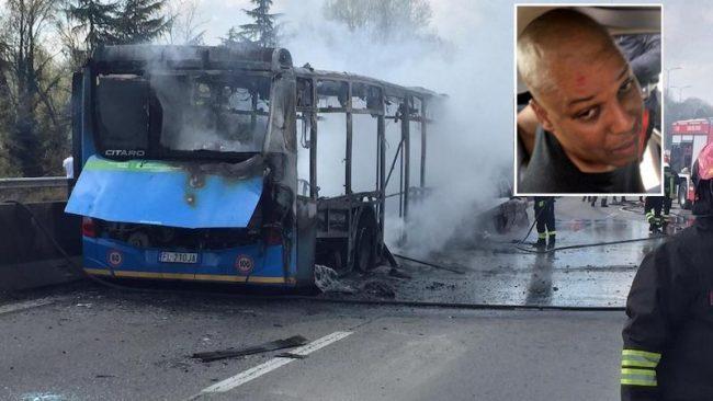 Autobus dirottato: via a Milano il processo, famiglie parte civile