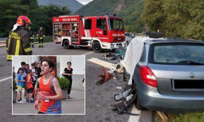 15enne ucciso dal carico perso da un camion: è morta anche la mamma