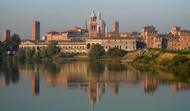 Sette influencer alla scoperta di Mantova: la cultura che fa moda