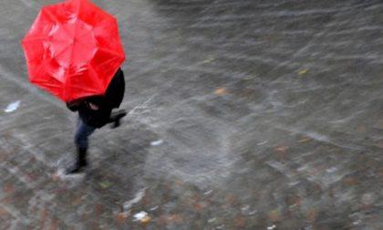 Scordiamoci il sole di ieri: oggi torna la pioggia | Previsioni meteo Mantova