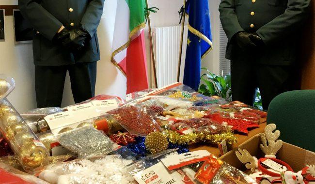 Natale: sequestrati più di 10.000 addobbi