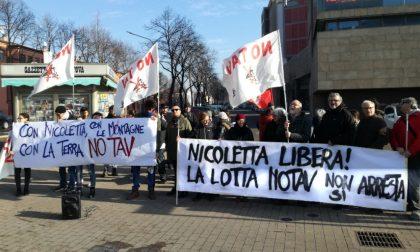 Attivisti No Tav in piazza Mozzarelli contro l'arresto dell'attivista Nicoletta Dosio