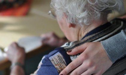 E-Vai concede un'auto al Comune per fare le spese agli anziani