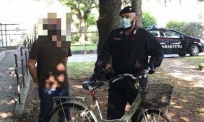 Rubano una bicicletta e l'abbandonano nei campi: i Carabinieri la restituiscono ai proprietari