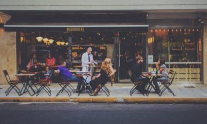 Sedie e tavolini fuori dai locali per aiutare i ristoratori: a partire da oggi si può anche a Mantova
