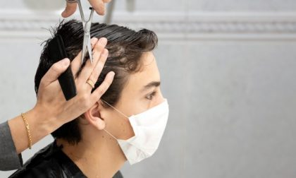 Le nuove regole per parrucchieri ed estetiste in Lombardia durante la Fase 2