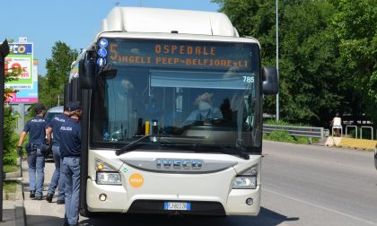 Autobus e Fermate APAM sotto osservazione:viaggiatori senza biglietto multati