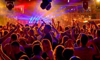 Nuova ordinanza regionale: dal 10 si torna in discoteca ma occhio alla distanza