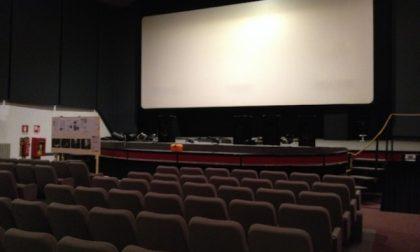 Fase 3, da domani si torna al cinema e a teatro: niente mascherina al posto