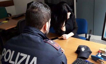 Segregata e percossa in casa dal marito e dai suoceri, giovane sposa salvata dalla Polizia grazie al segnale d'aiuto