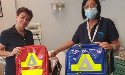 """Donati da """"Gli Amici del Percorso Delfino"""" due zaini per il trasporto del materiale sanitario"""