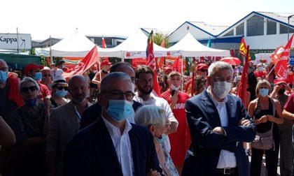 Il segretario Cgil Landini al presidio Corneliani omaggia i lavoratori che pretendono diritti fondamentali