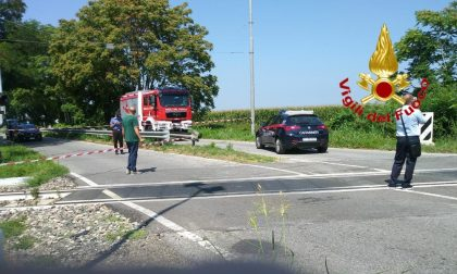 Tragedia sulla Milano – Mantova: 34enne alla guida di un'auto investita dal treno