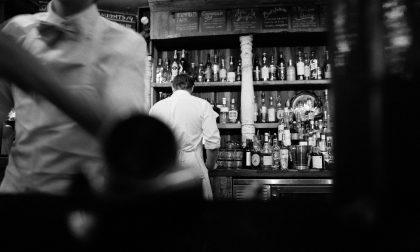 Dipendenti senza mascherina e troppo vicini ai clienti: locale notturno sanzionato
