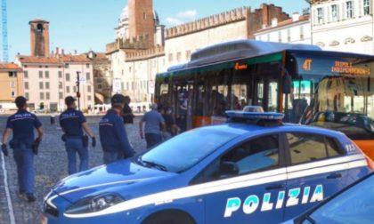 Sicurezza sui bus, la Polizia scopre diverse persone senza biglietto