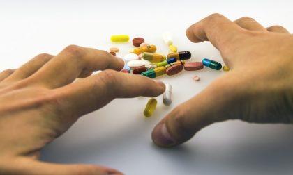 In crisi d'astinenza minaccia per il padre per avere i farmaci: si aprono le porte del carcere per un 19enne