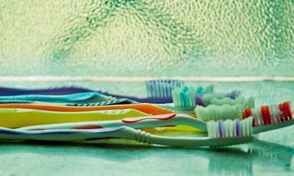 Scoperta mentre ruba tinte per capelli e spazzolini: si preparava a un nuovo lockdown?