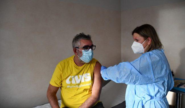 Oggi a Mantova si inizia con il richiamo del vaccino Covid