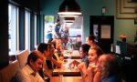 """Presa la """"banda dei ristoranti"""": mangiavano, bevevano e pagavano con assegni scoperti"""