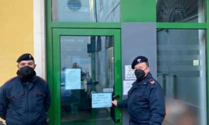 """Bar fa """"un'eccezione"""" per la festa patronale e serve da bere al banco: locale chiuso 2mila euro di multa"""