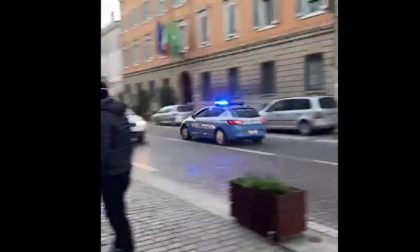 Il video del folle inseguimento per il centro di Mantova, denunciato pregiudicato
