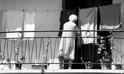 La vicina di 71 anni le fa passare l'inferno per mesi, lei la denuncia