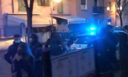 Notte di schiamazzi e assembramenti ad Asola, quasi 3mila euro di multa per un gruppo di ragazzi