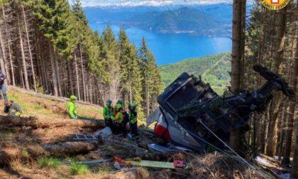 Tragedia in Piemonte: precipita una funivia, 13 morti e 2 bambini gravi